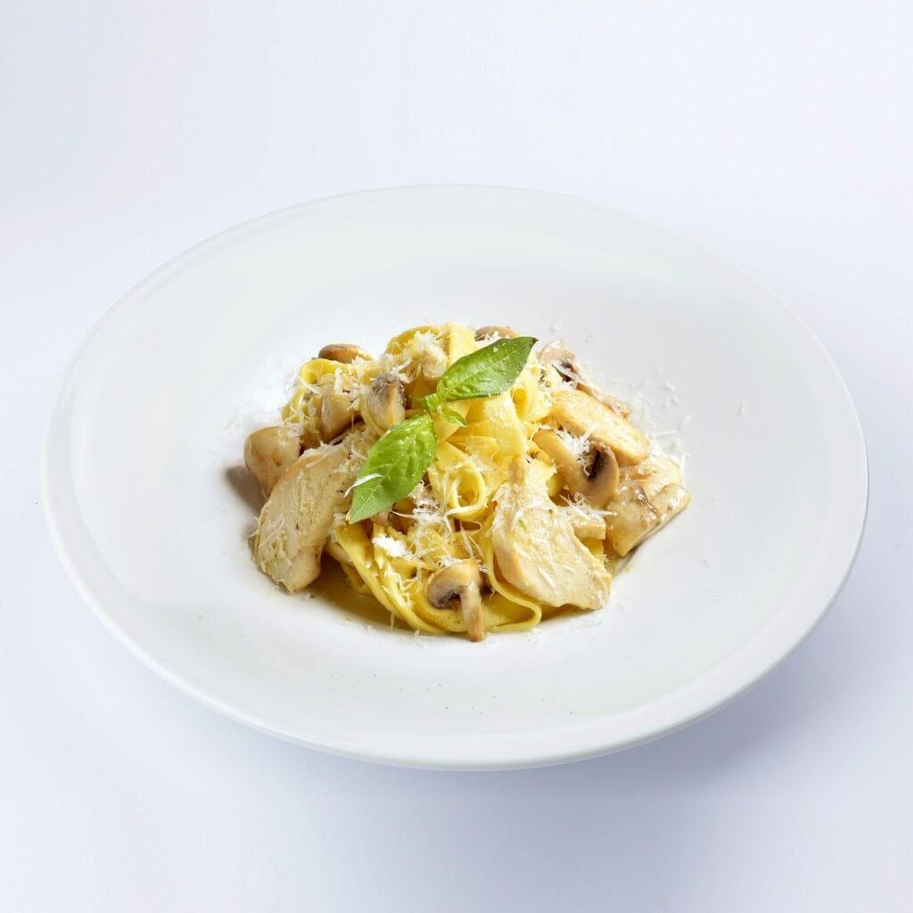 Сливочная паста с грибами и курицей рецепт пошагово